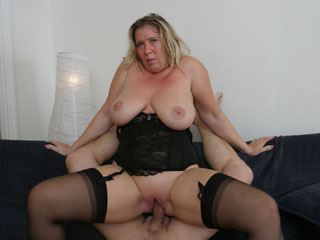 Older mature fucked not her son